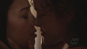 Ming-Na and Reiko Aylesworth, Lesbian Kiss Stargate Universe