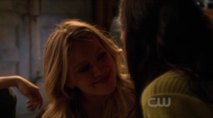 Hilary Duff and Jessica Szohr , Lesbian Kiss