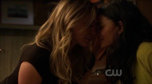 Gossip Girl Lesbian scene, Hilary Duff and Jessica Szohr Lesbian Kiss