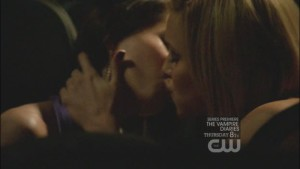 Melrose Place, Katie Cassidy Lesbian Kiss