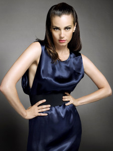 Mia Kirshner, Joins the cast of The Vampire Diaries