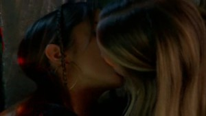 Evan Rachel Wood and Nikki Reed, lesbian Kiss lesmedia