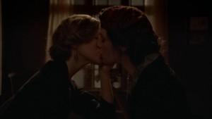 Lisa Joyce and Aleksa Palladino Lesbian Kiss, Boardwalk Empire lesmedia