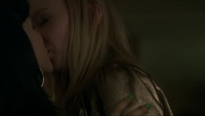 Nichola Burley and Kerrie Hayes, lesbian kiss Kicks lesmedia