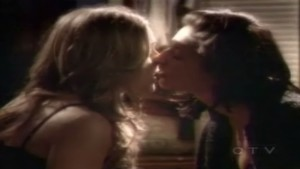 Lauren Collins and Deanna Casaluce Lesbian Kiss, Degrassi lesmedia