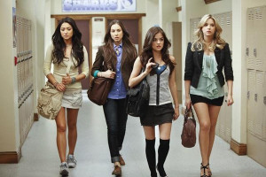 Pretty Little Liars, Returns on January 3 2011 Lesbian Watch Online lesmedia