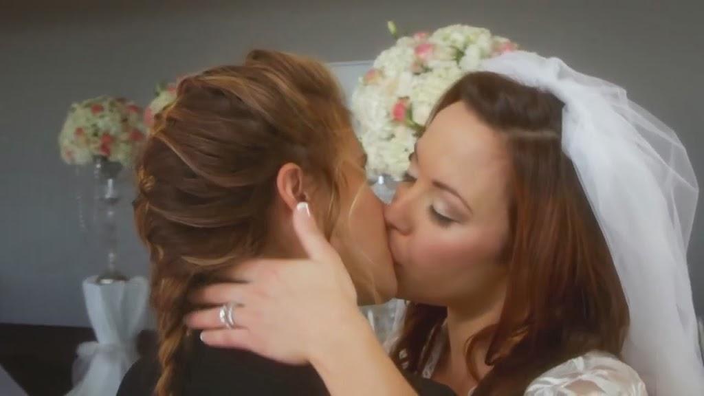Gabrielle Christian & Nicole Pacent Lesbian Kiss